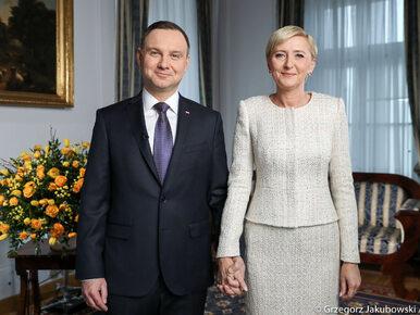 """Para prezydencka składa życzenia Polakom. """"Niech rozbrzmiewa radosne..."""