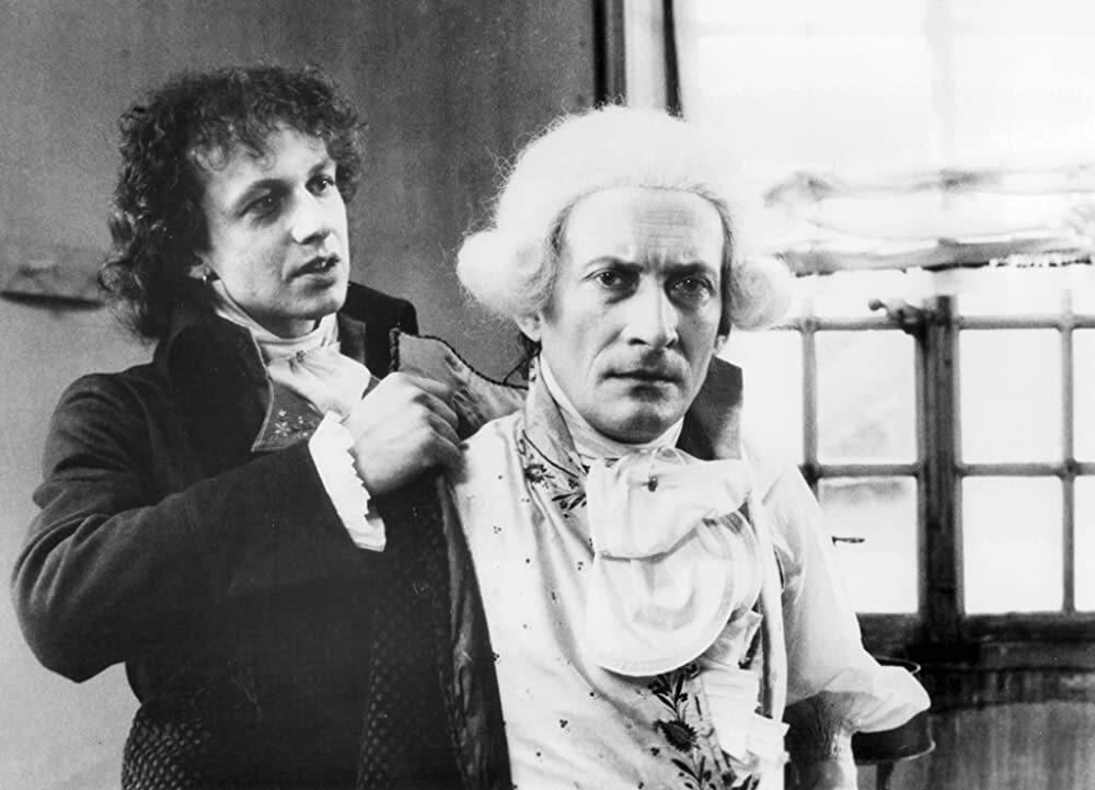 """Wojciech Pszoniak jako Robespierre w filmie """"Danton"""" (1983)"""