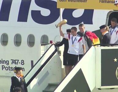 Mistrzowie wrócili do kraju. Zobacz lądowanie w Berlinie