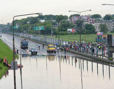 Powodzie miejskie? Hydrolog z UW: Trzeba się liczyć z tym, że będą coraz...