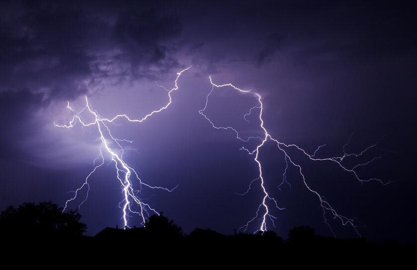 Burza, pioruny, błyskawica