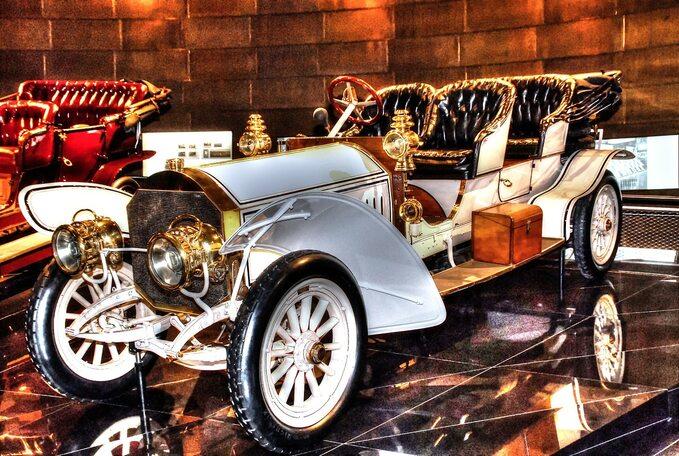 Muzeum Mercedes-Benz wStuttgarcie