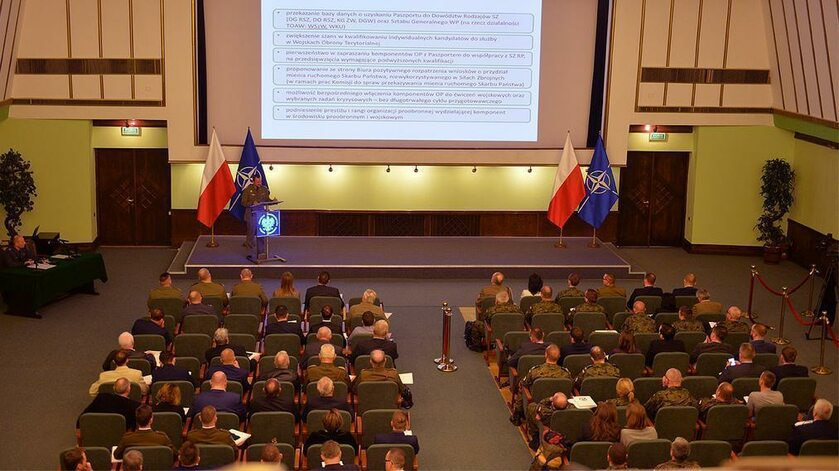Konferencja organizacji proobronnych