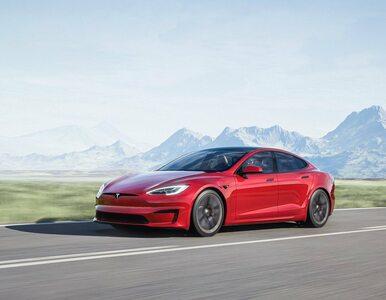 Zobacz, jak nowa Tesla ośmiesza hiperauta Porsche i McLarena