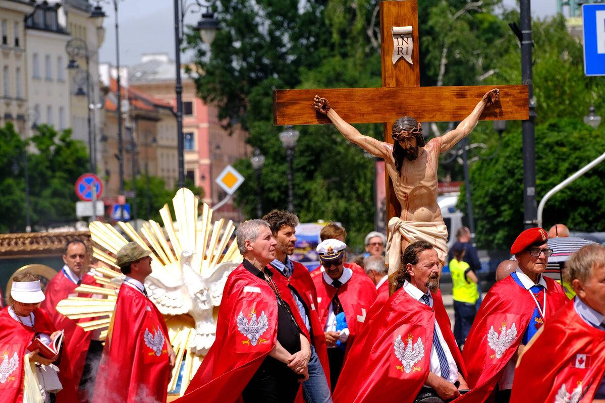 Warszawa. Manifestacja Rycerzy Chrystusa Króla