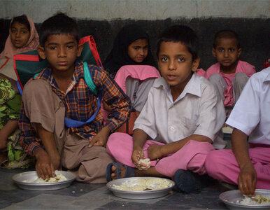 Tragiczny finał szkolnego obiadu. 11 dzieci nie żyje