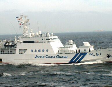 Kolejnych dziesięciu Koreańczyków w dryfującej drewnianej łódce. Skąd...