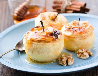 Bezglutenowy przepis na pieczone jabłka z cynamonem – lepsze niż szarlotka!