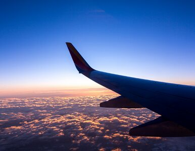 """Pilot zasnął za sterami samolotu. """"Był zmęczony, nie spał od 24 godzin"""""""
