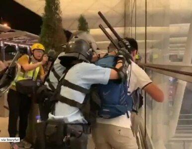 Lotnisko w Hongkongu odbite przez policję. Wznowiono loty