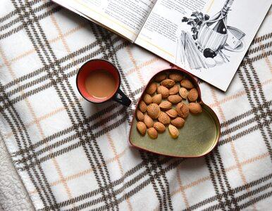 Dlaczego kofeina może ograniczać przyrost masy ciała?