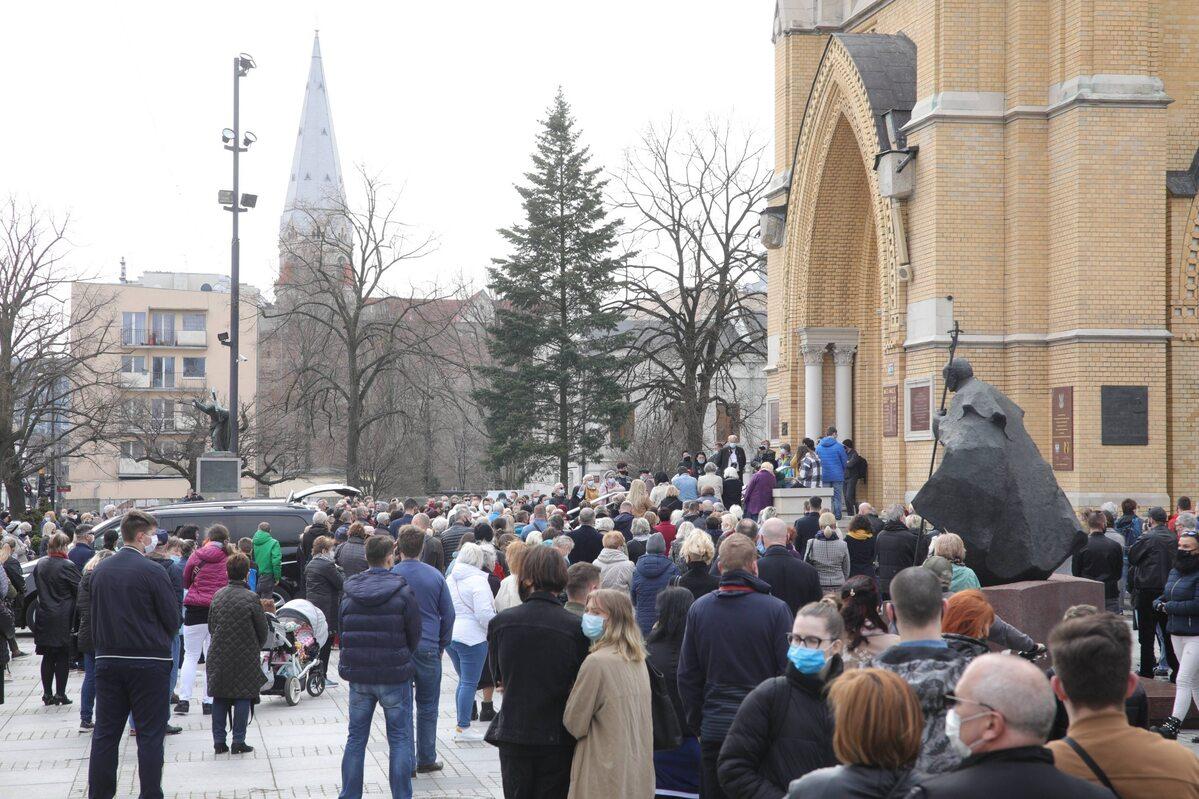 Krzysztofa Krawczyka pożegnały tłumy fanów