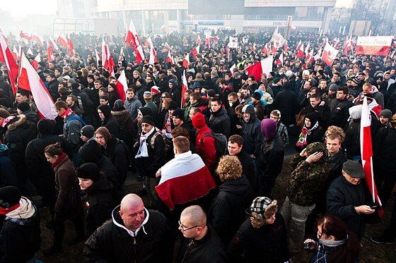 Przed marszem organizatorzy liczyli na kilkanaście tysięcy uczestników (fot. Jakub Czermiński)