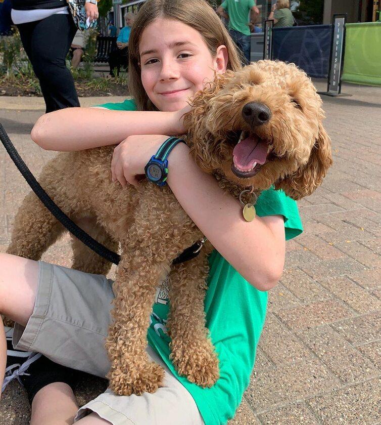 11-latek i spotkany przez niego pies