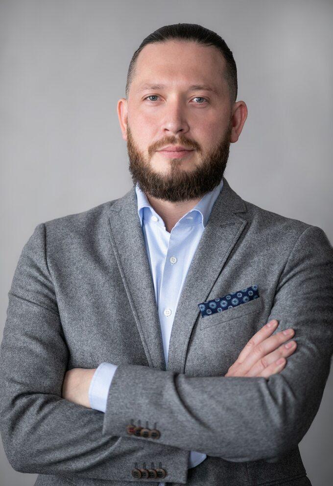 Michał Słomkowski, założyciel iprezes CARSALON.pl