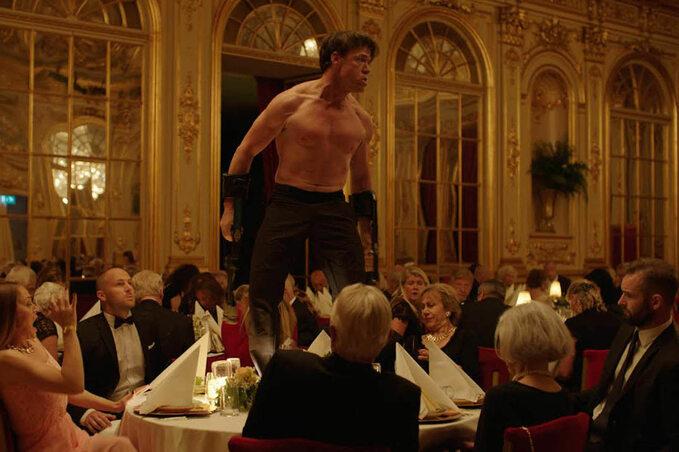 """kadr zfilmu """"The Square"""" (2017)"""