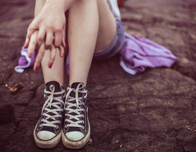Plaga samookaleczeń wśród nastolatków. Co ich do tego skłania?