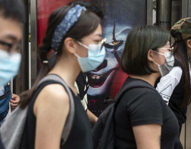 """Uczniowie szkół wyszli na ulice. """"Wyzwolić Hongkong, rewolucja naszych..."""