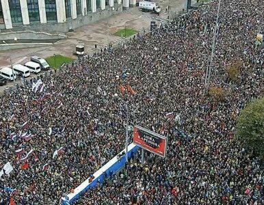 """Kilkadziesiąt tysięcy protestujących na ulicach Moskwy. """"Dość kłamstw"""""""