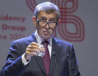 Minister zdrowia złamał obostrzenia, ale odmówił odejścia. Premier Czech...