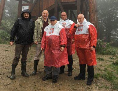 Petru: Wszyscy Polacy mają prawo do biało-czerwonego płaszczyka