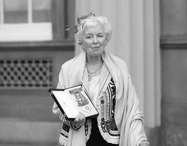 """Nie żyje aktorka z """"Absolutnie Fantastycznych"""". June Whitfield miała 93..."""