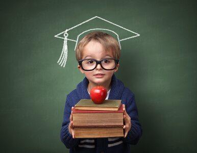Jaki wpływ na oceny w szkole ma noszenie okularów? Nowe wyniki badań