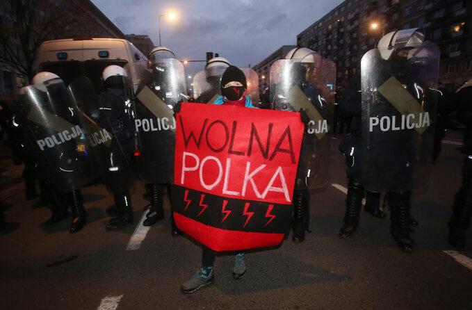 Ogólnopolski strajk kobiet. 102. rocznica nadania praw wyborczych kobietom. Warszawa, 27.11.2020