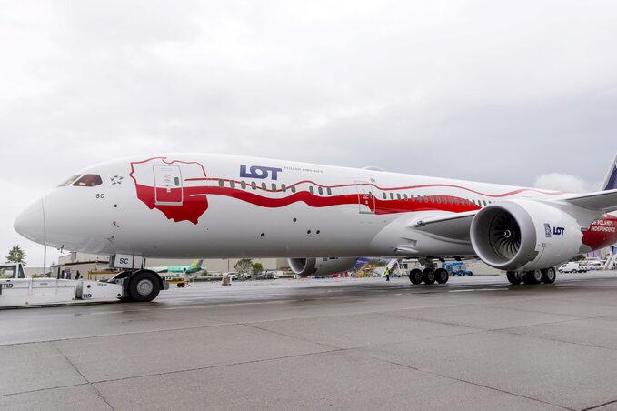 Dreamliner biało-czerwony