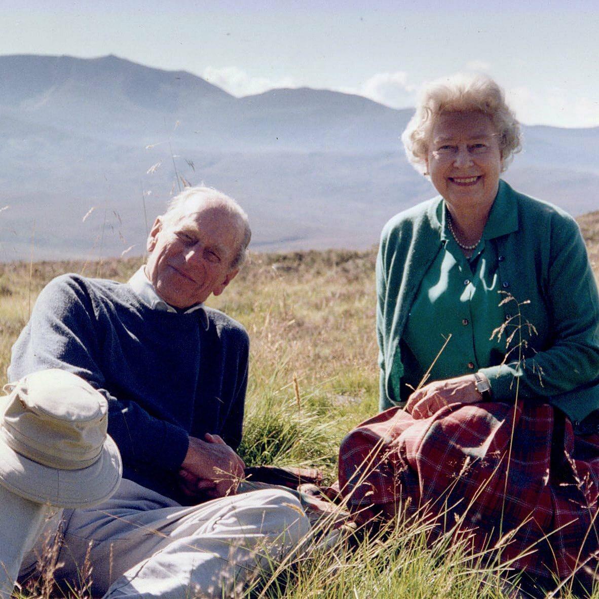 Książę Filip i królowa Elżbieta II w 2003 roku w Szkocji
