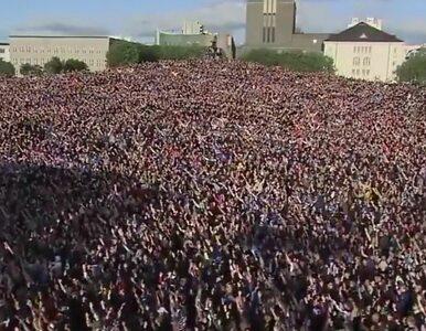 Niesamowity widok. Tysiące Islandczyków dopinguje swój zespół