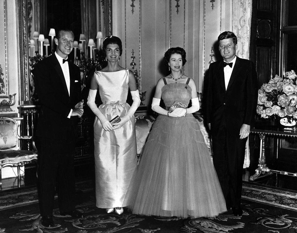 Książę Filip na zdęciu z królowa Elżbieta, prezydentem USA Johnem F. Kennedym i jego żoną w 1961 roku