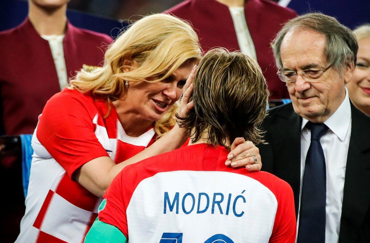 Prezydent Kolinda Grabar-Kitarović nie mogła powstrymać łez, kiedy gratulowała Luce Modriciowi