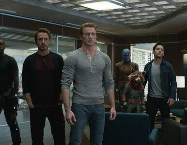 Nauczyciele uspokajają uczniów, grożąc im spoilerami z Avengersów....