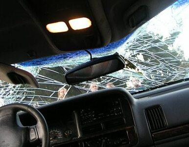 Poznań: samochód zderzył się z tramwajem
