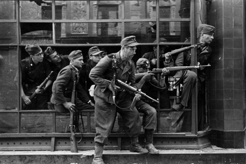 W której warszawskiej dzielnicy Niemcy dokonali największej jednorazowej masakry ludności cywilnej?