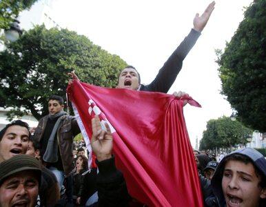 W Tunezji wciąż niespokojnie: policja strzela do demonstrantów, 4 osoby...