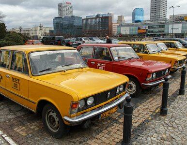 Trzy kuzynki i taksówkarz powiedzieli... czyli polityczna moda na...