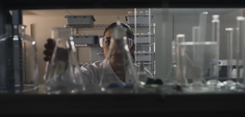 Kadr z filmu promującego Ms. Monopoly