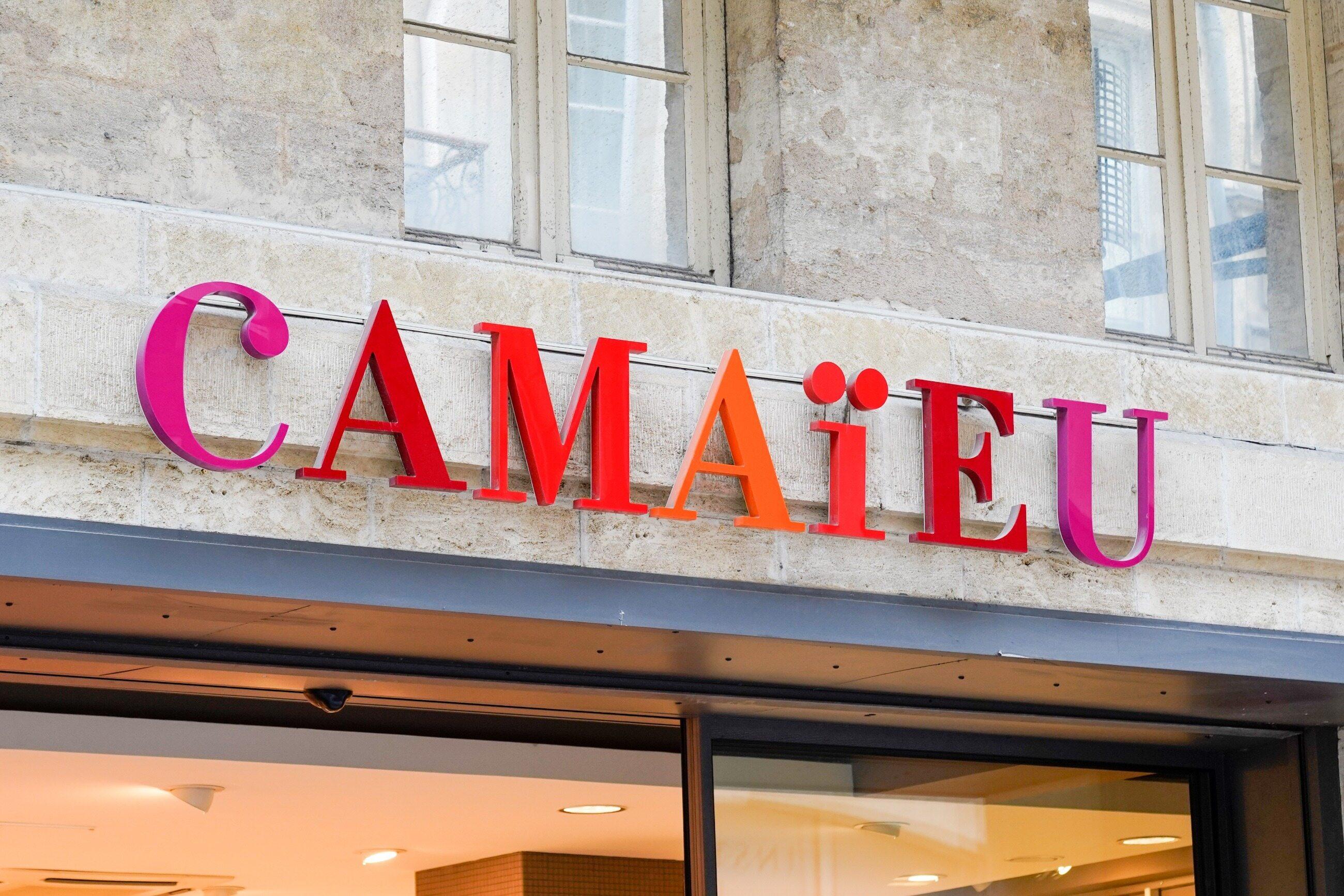 Nazwę znanej marki modowej Camaieu wymawiamy jako: