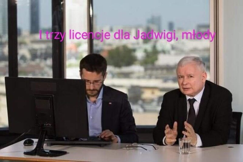 Memy o Jadwidze Emilewicz i jej górskim urlopie