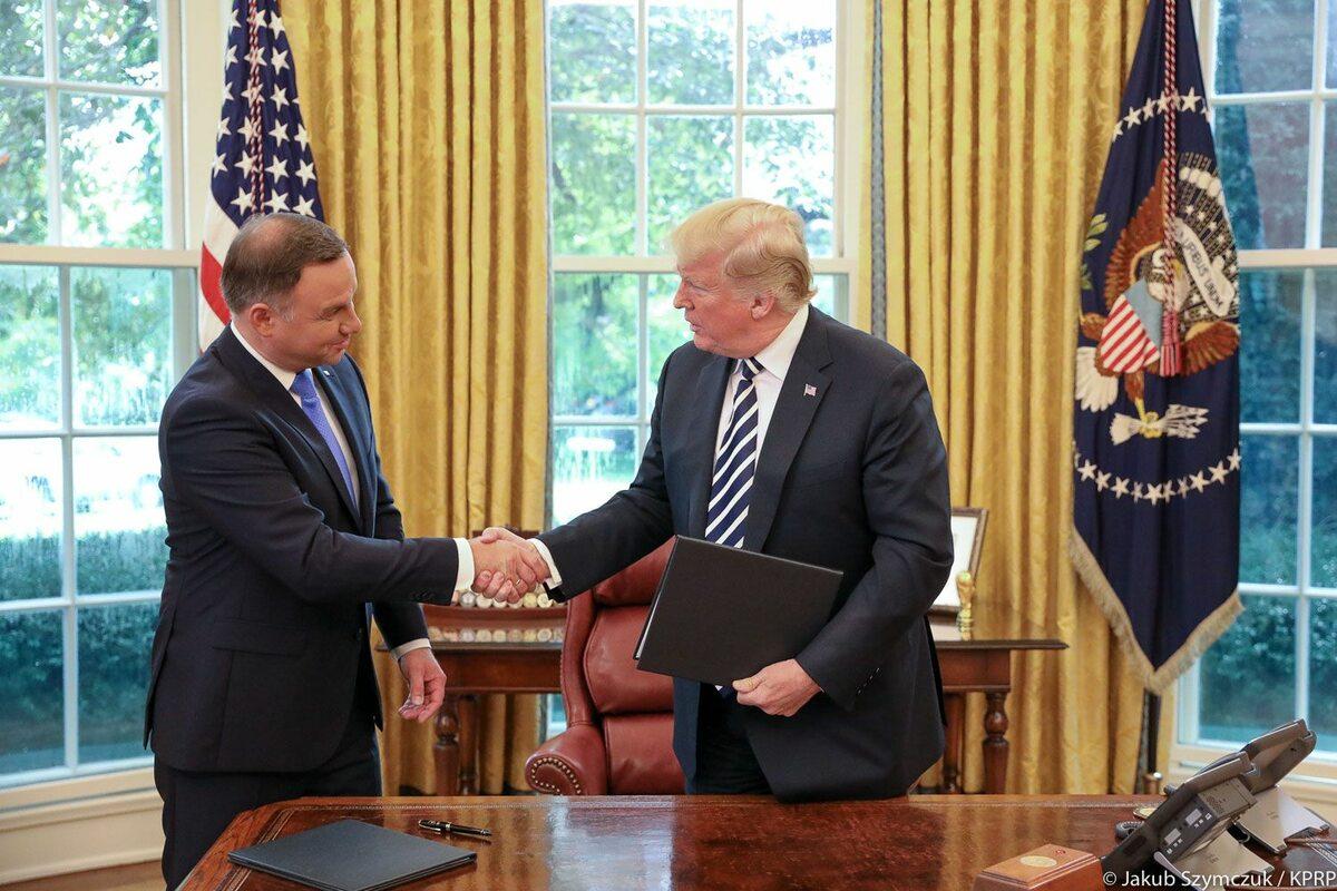 Prezydenci Polski i USA po podpisaniu deklaracji