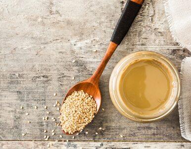 Tahini – pasta sezamowa, która reguluje ciśnienie krwi. Do czego ją...