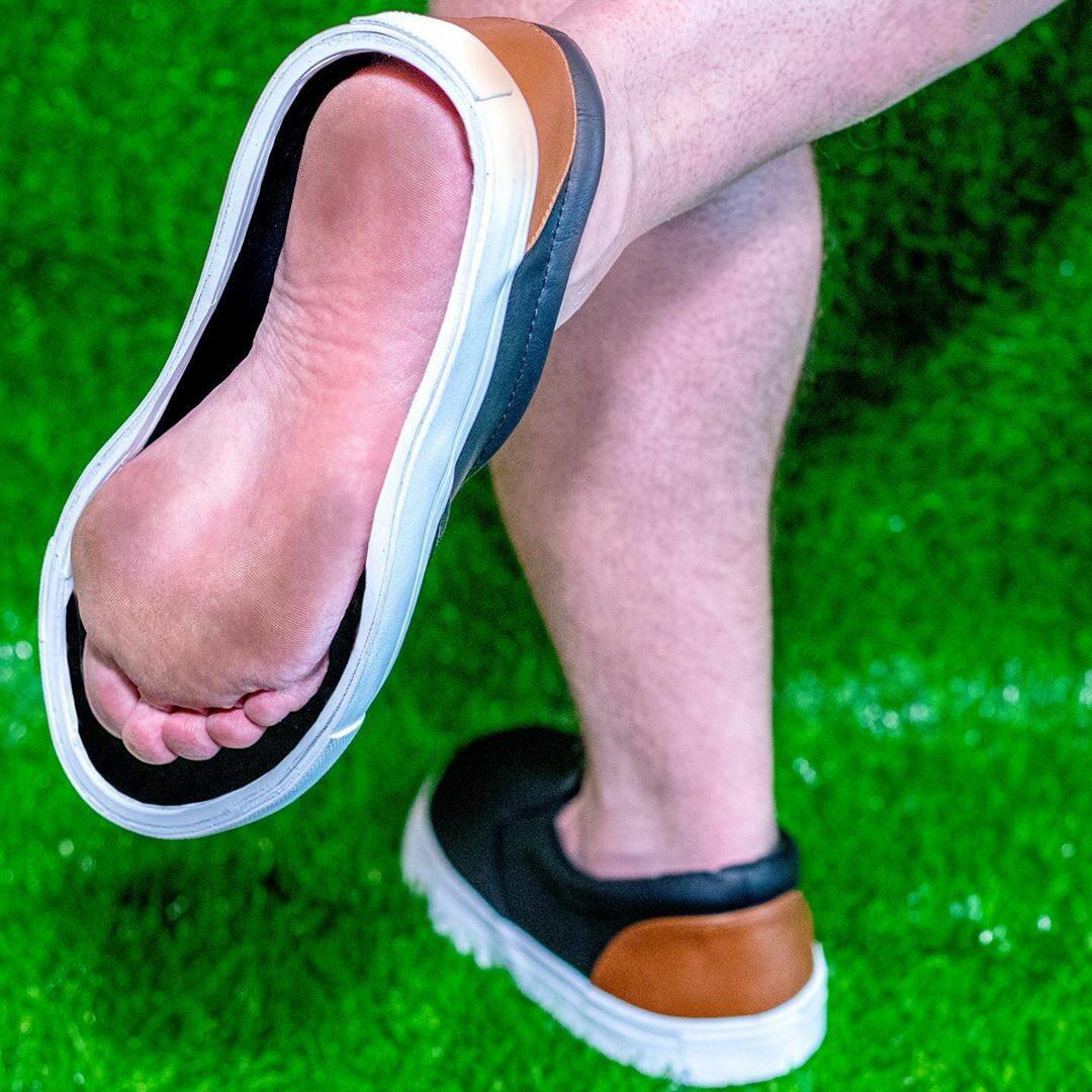 Buty do chodzenia po trawie