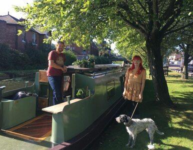 Para kupiła łódź i przerobiła ją na mieszkanie. Tak wygląda jej nowy dom