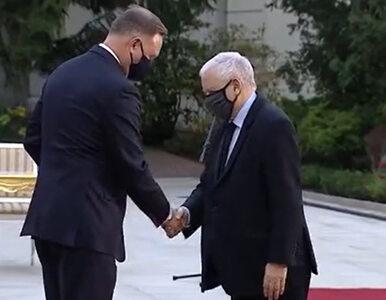 Nietypowe zachowanie prezesa PiS. Radosław Fogiel tłumaczy