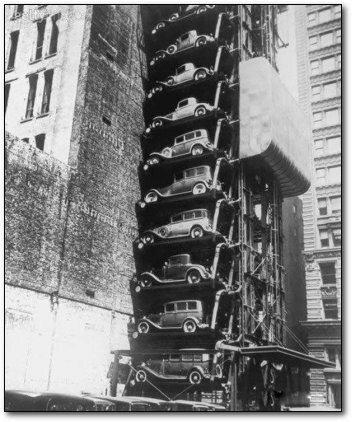 Garaż z windą dla samochodów w Chicago (1936 r.), fot. epicdash.com