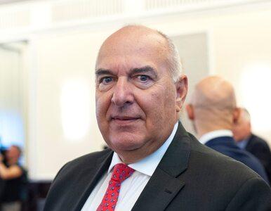 Minister Finansów z pokaźnym majątkiem i brytyjską emeryturą