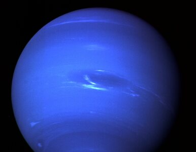 """NASA odkryła dziwny """"taniec unikania"""" księżyców Neptuna. Zobaczcie, jak..."""