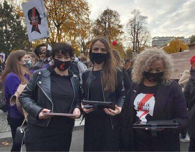 Posłanki Lewicy głosują, będąc na protestach. Wszystko dzięki PiS